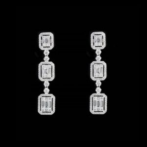 18K WHITE GOLD WITH DIAMOND EARRING